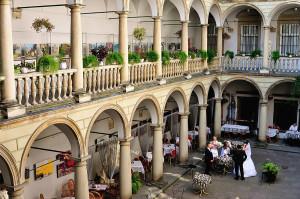Итальянский дворец Львов