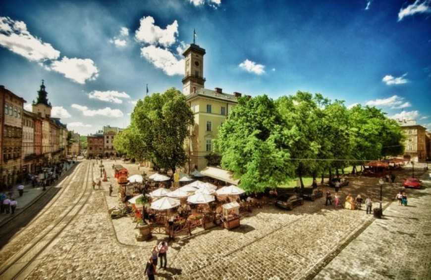 5 most beautiful places in Lviv for photo shoots